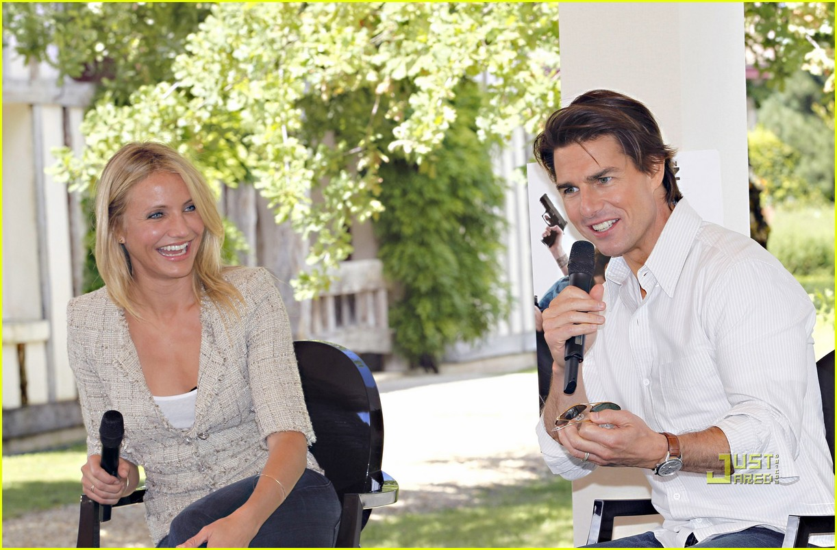 tom cruise cameron diaz martillac france press conference 04
