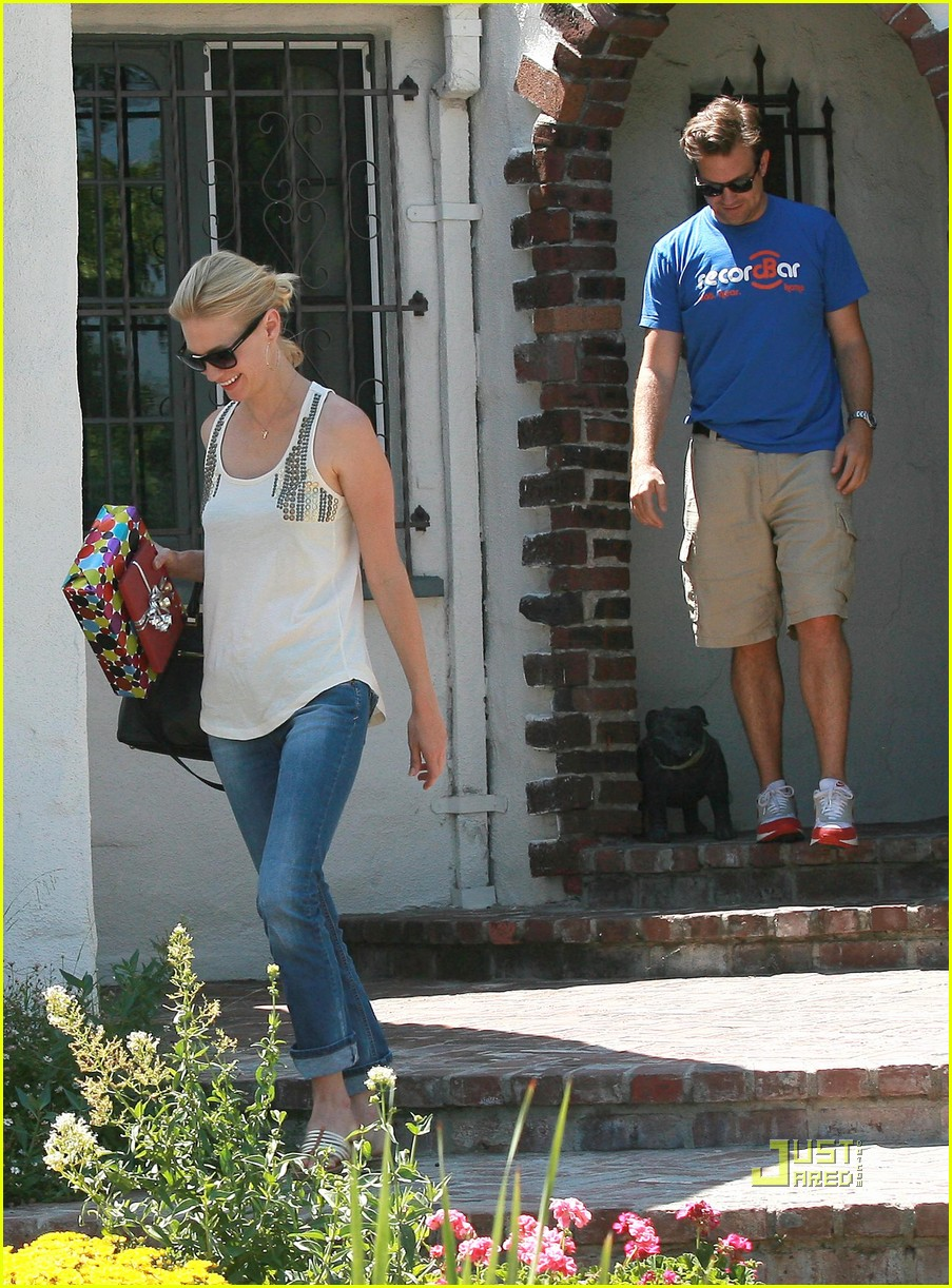 january jones jason sudeikis birthday party hollywood 02