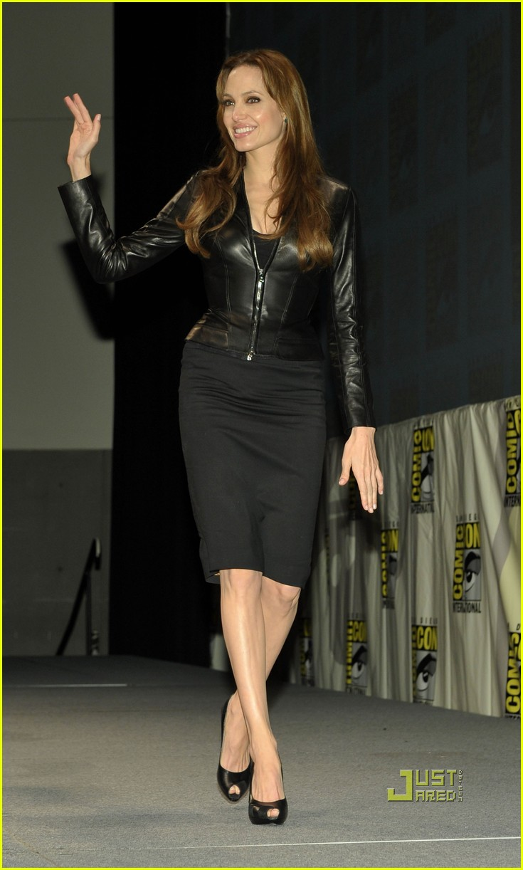angelina jolie comic con salt 052468233