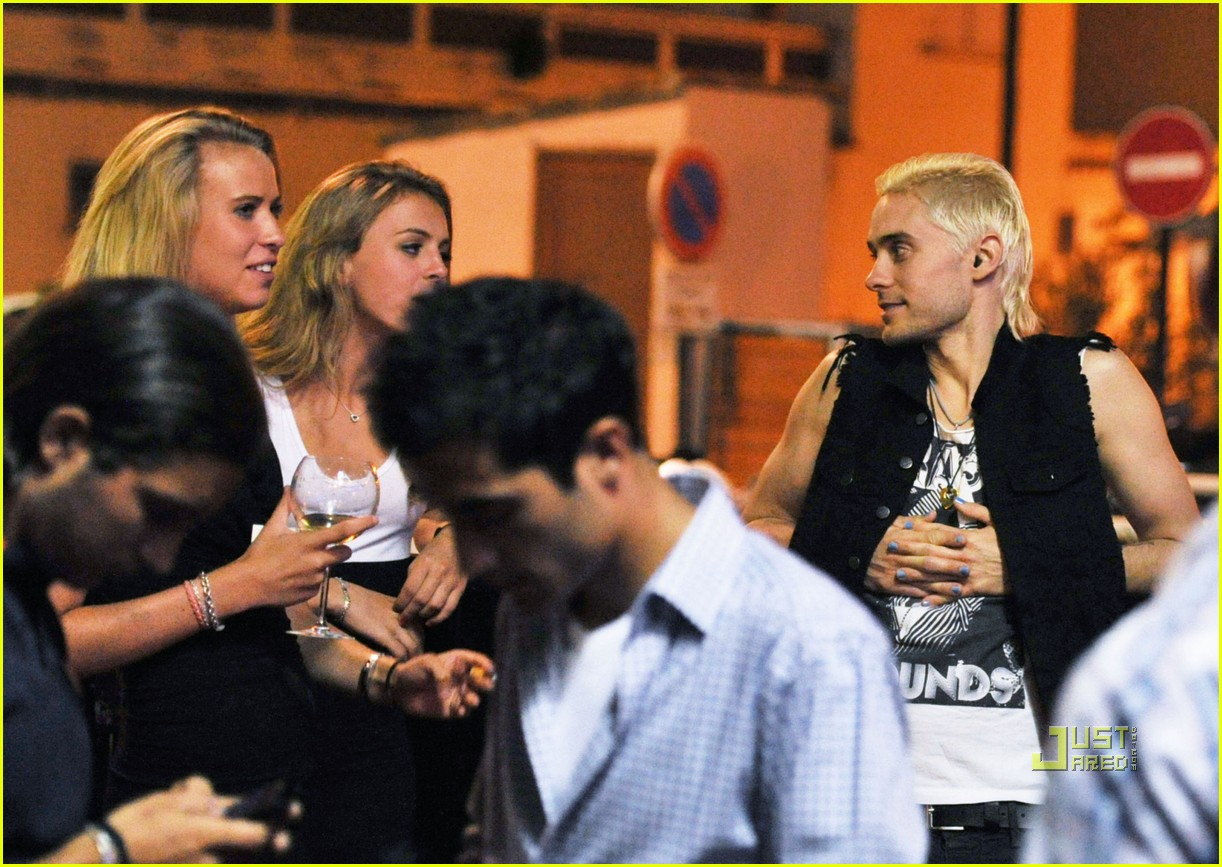 jared leto beach blonde 05