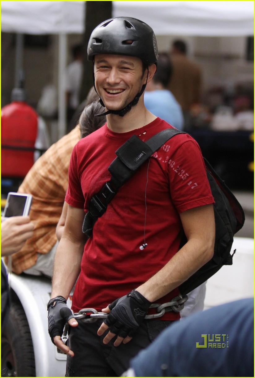 joseph gordon levitt premium rush biker 03