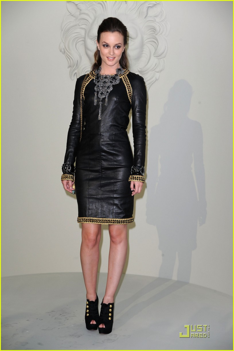 leighton meester milla jovovich paris fashion show 01