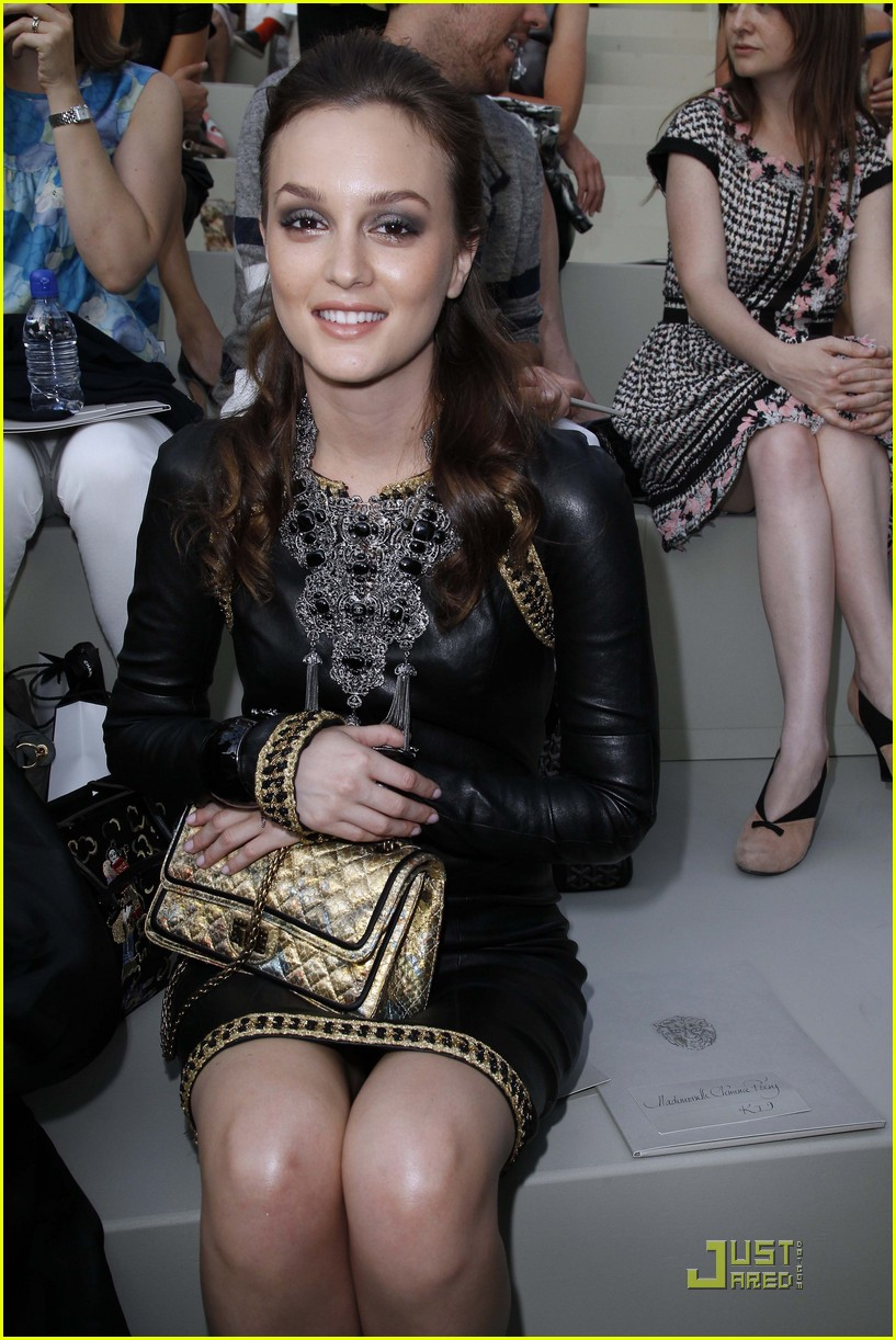 leighton meester milla jovovich paris fashion show 12