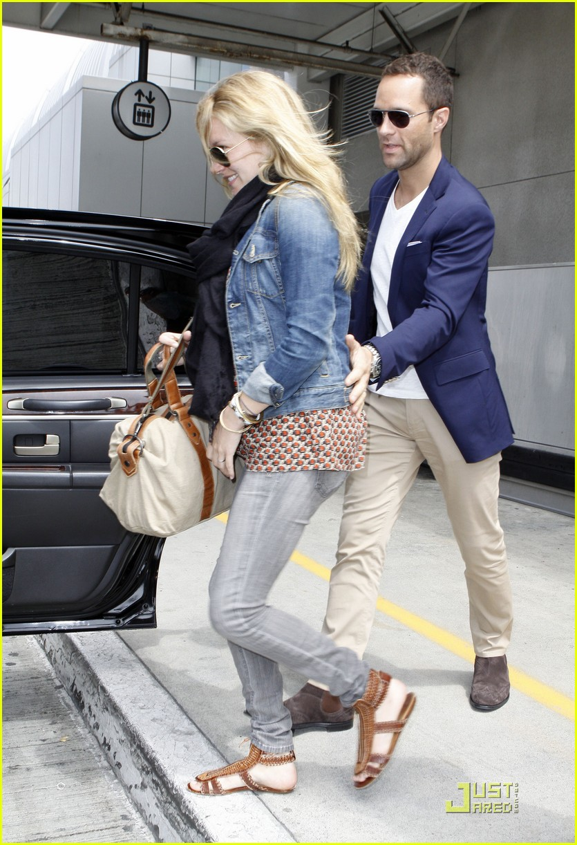 becki newton chris diamantopoulos lax 07