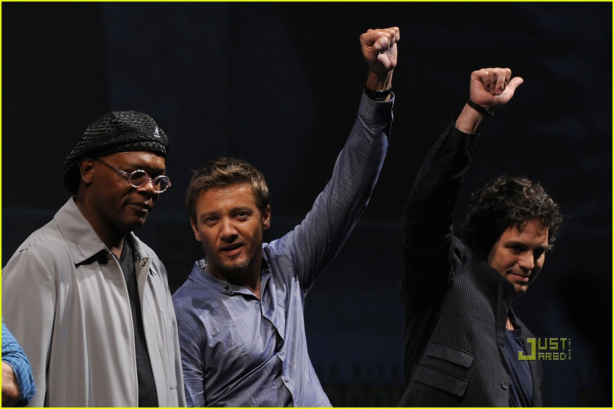 mark ruffalo comic con jeremy renner 20