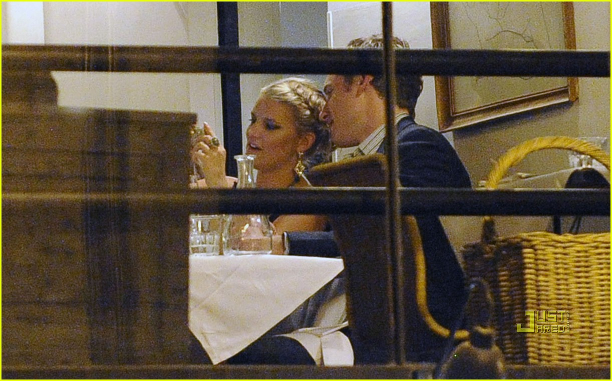 jessica simpson eric johnson roman holiday 07