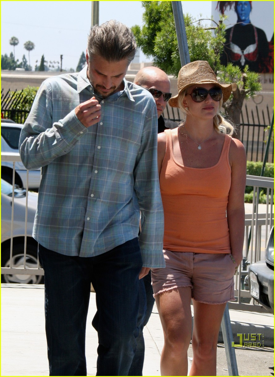britney spears jason trawick starbucks stop 09