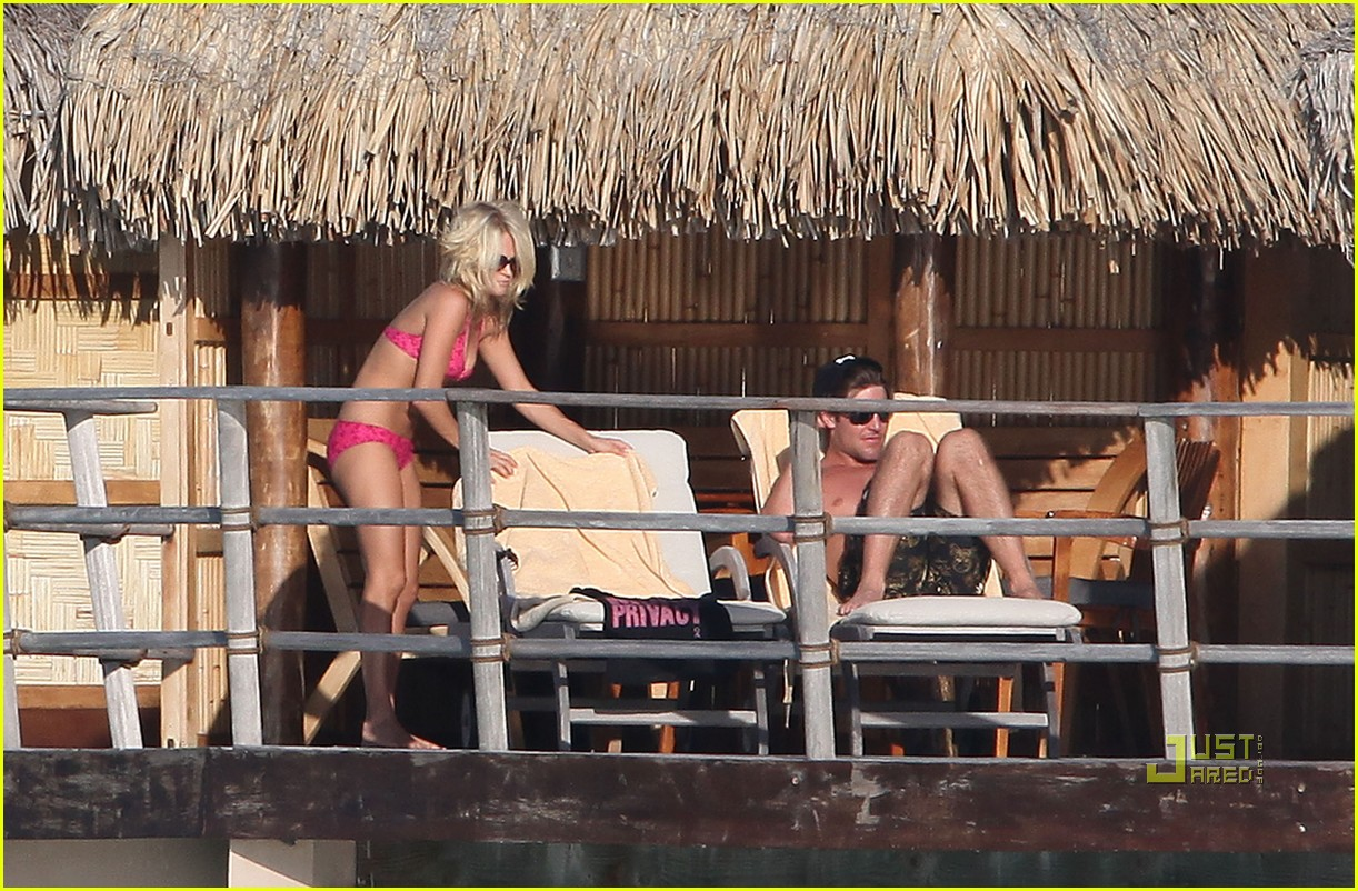carrie underwood honeymoon bikini 13