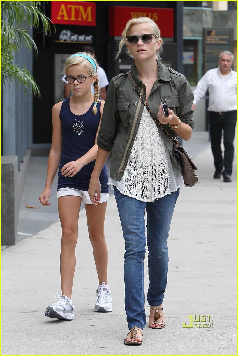 reese witherspoon ava phillippe mother daughter bonding 12