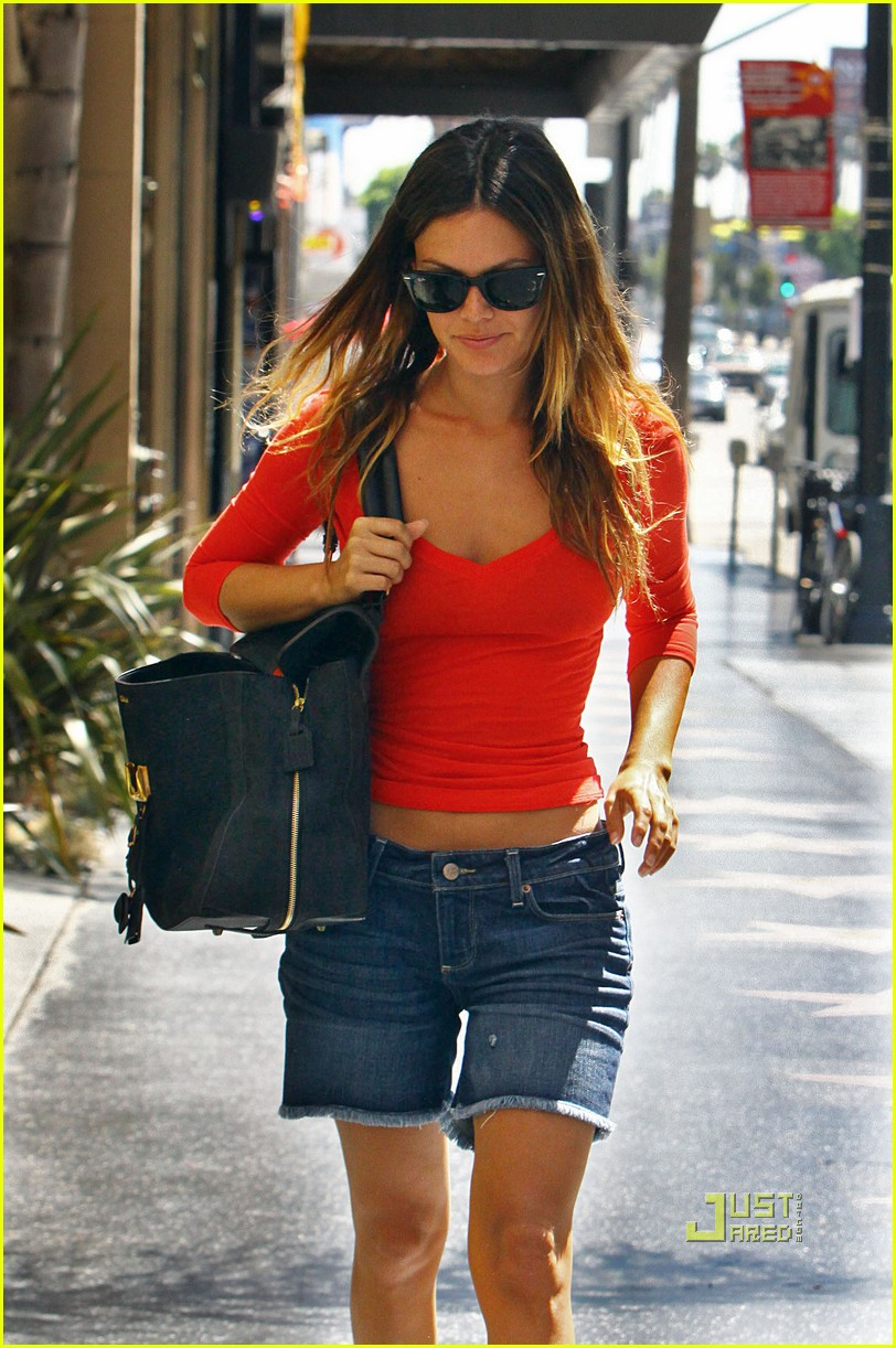 rachel bilson red top errands hollywood 04