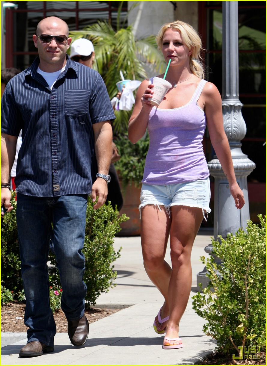 britney spears purple tank top starbucks 09