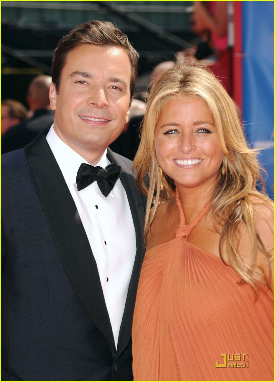 jimmy fallon 2010 emmys red carpet 08