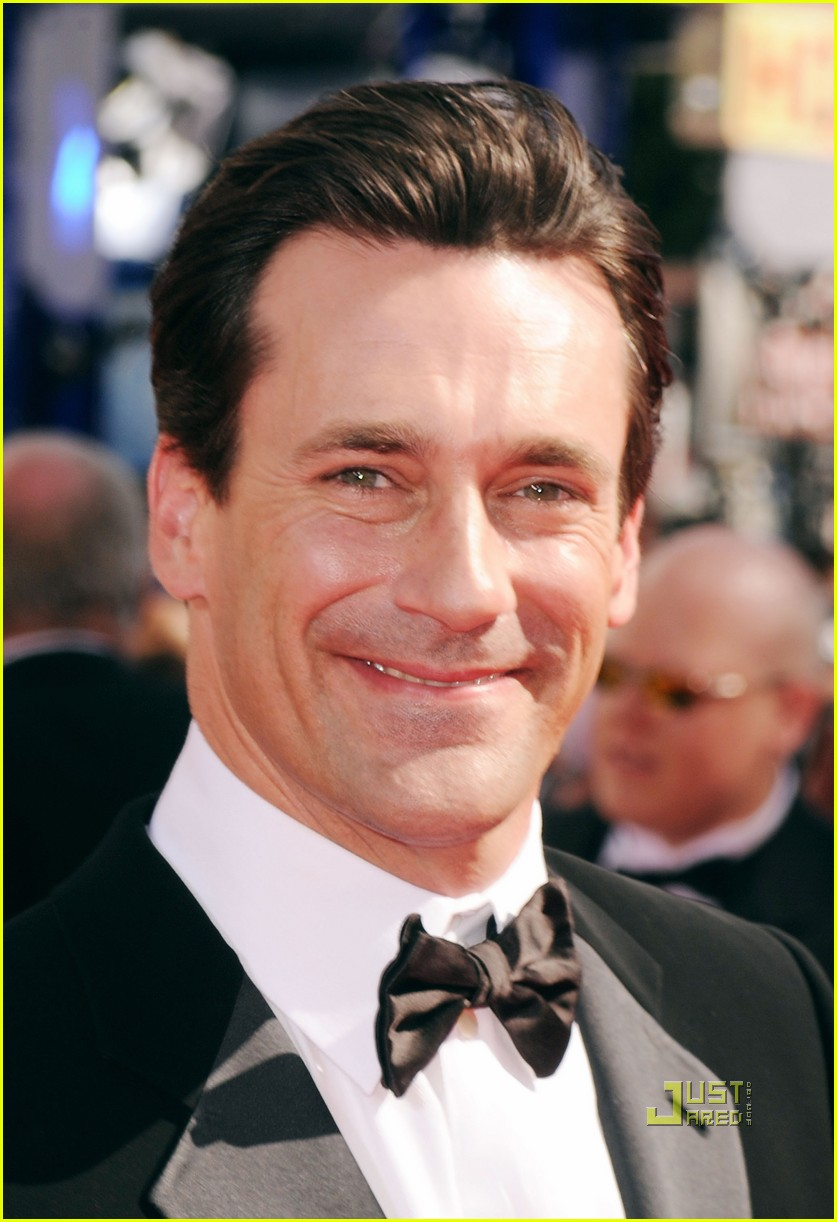 jon hamm jennifer westfeldt emmys 2010 red carpet 06