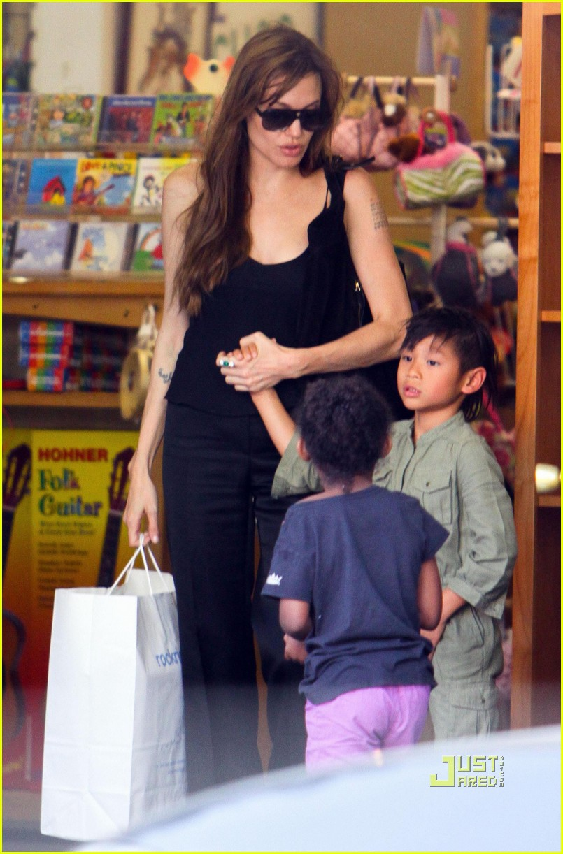 angelina jolie rockridge kids toy store 01