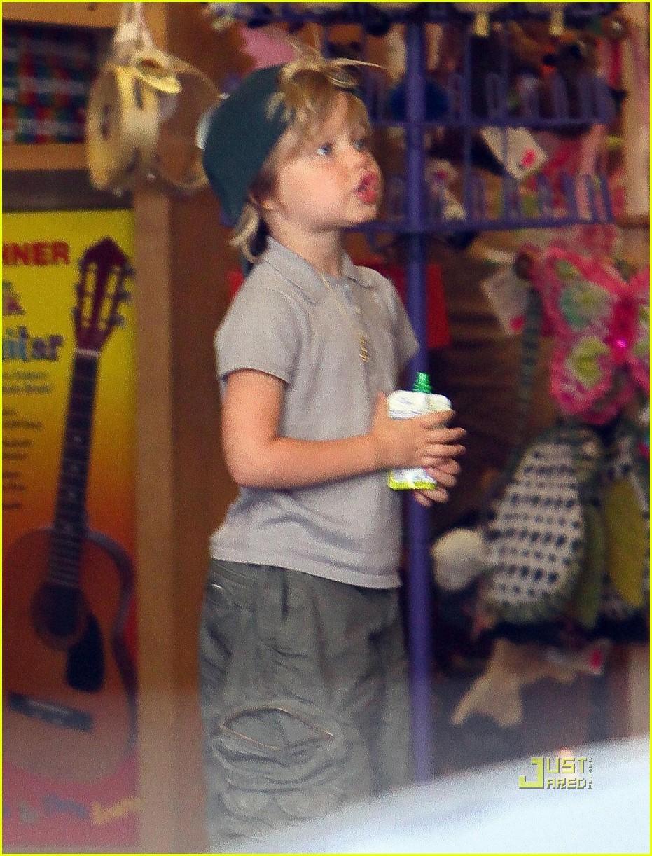 angelina jolie rockridge kids toy store 03