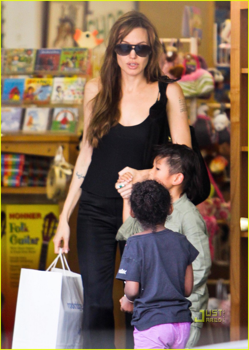 angelina jolie rockridge kids toy store 06