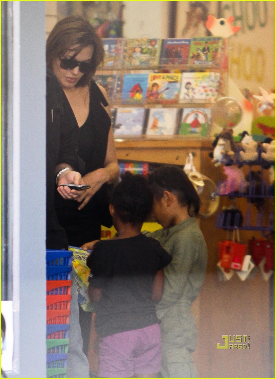 angelina jolie rockridge kids toy store 09
