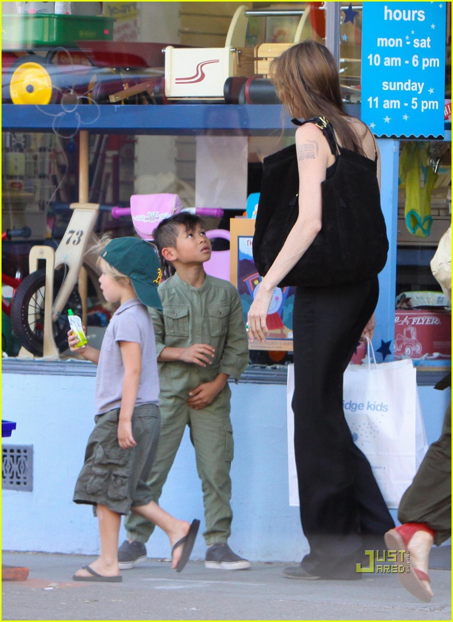 angelina jolie rockridge kids toy store 17