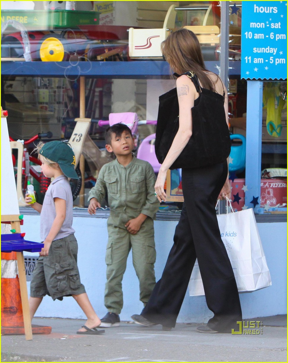 angelina jolie rockridge kids toy store 18