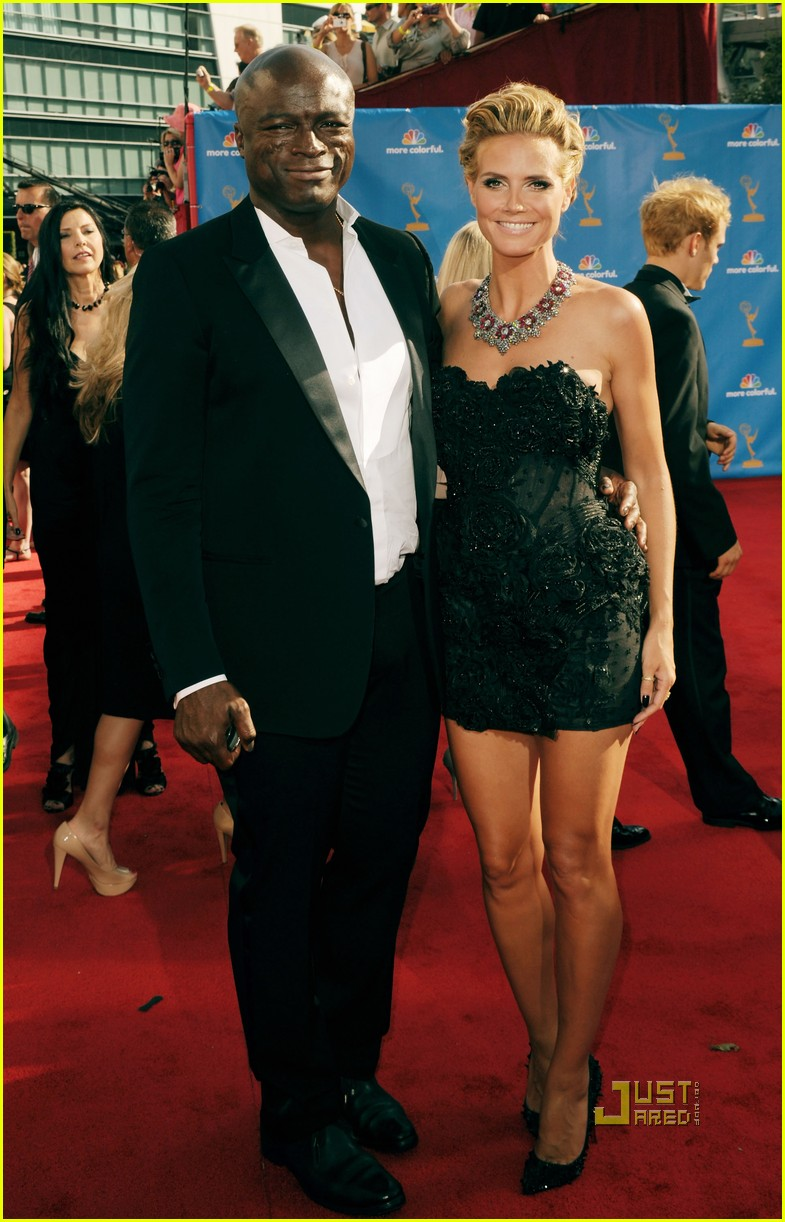heidi klum seal emmys 2010 red carpet 07