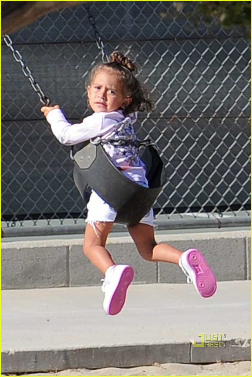 jennifer lopez swinging and sliding with family 04