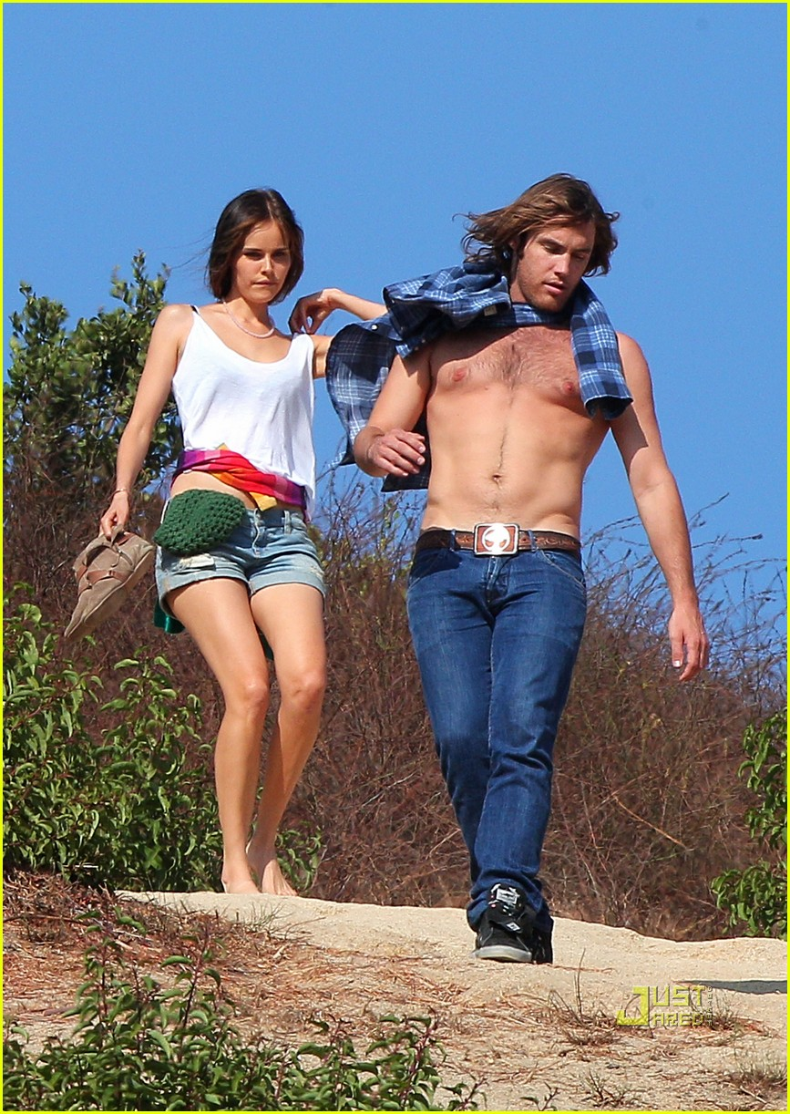 Full Sized Photo Of Isabel Lucas New Boyfriend Shirtless Arm Tattoo 08 Photo 2476492 Just Jared