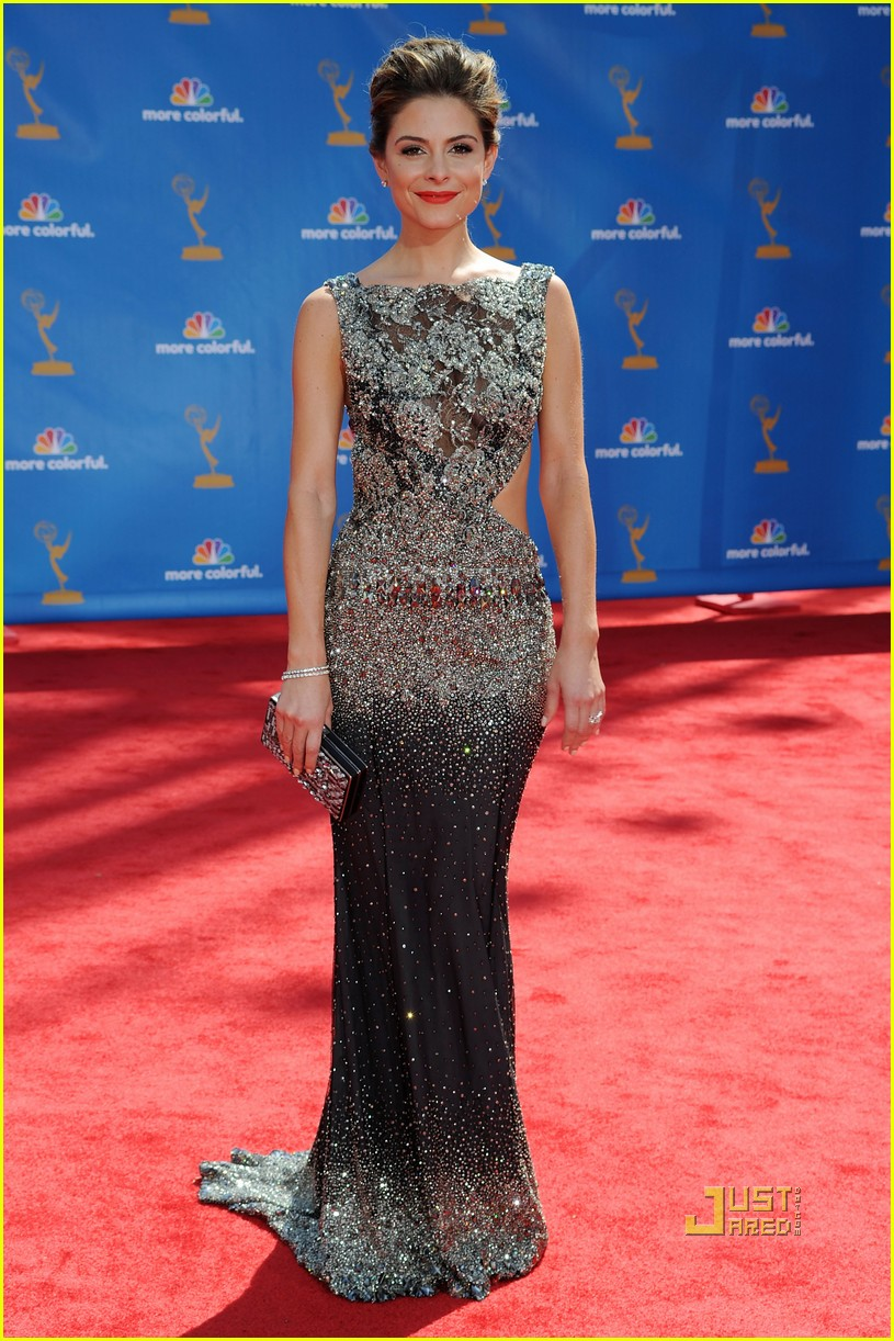 maria menounos 2010 emmy awards red carpet 062476069