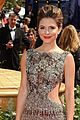 maria menounos 2010 emmy awards red carpet 03