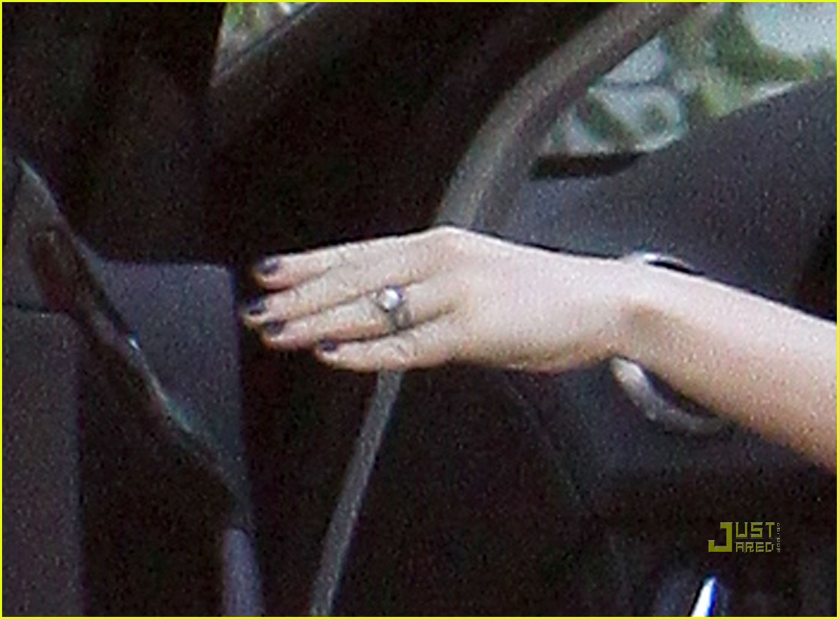 anna paquin wedding ring 07