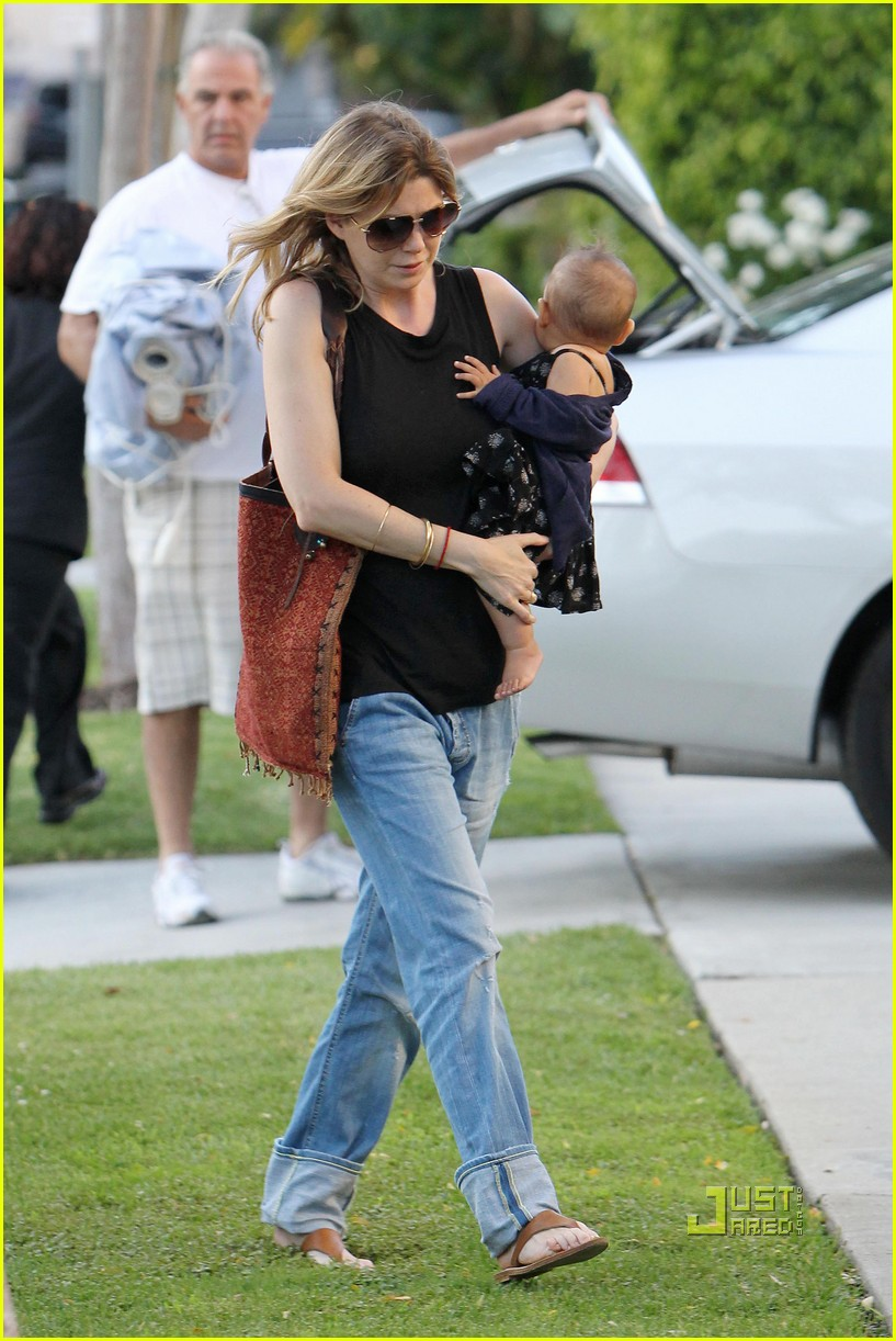 ellen pompeo chris ivery happy family with stella 04