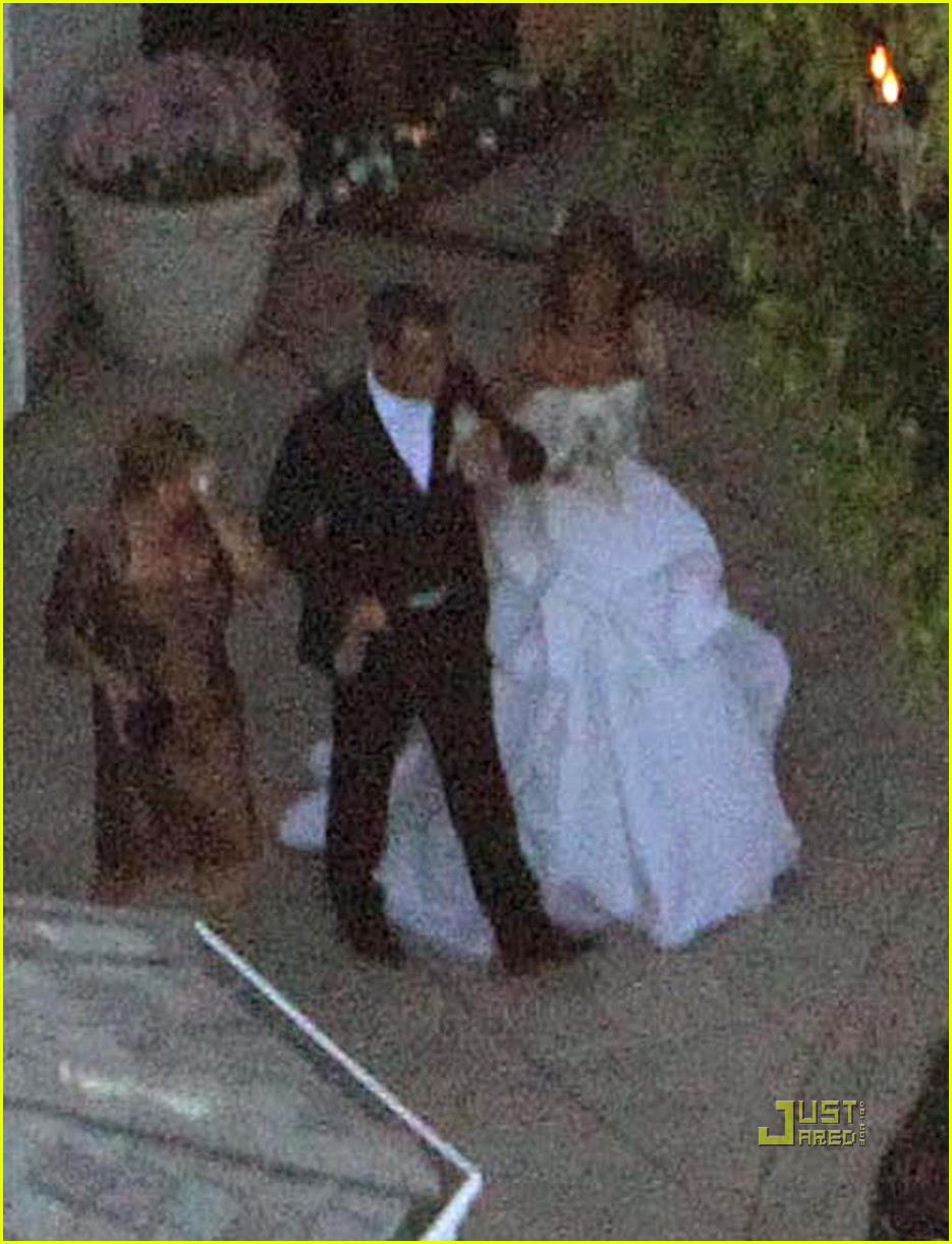 Robbie Williams Wedding Photos With Ayda Field Photo