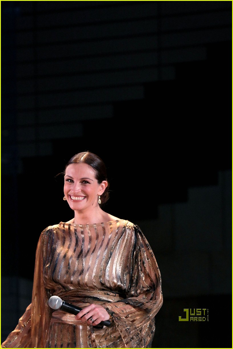 julia roberts kimono 04