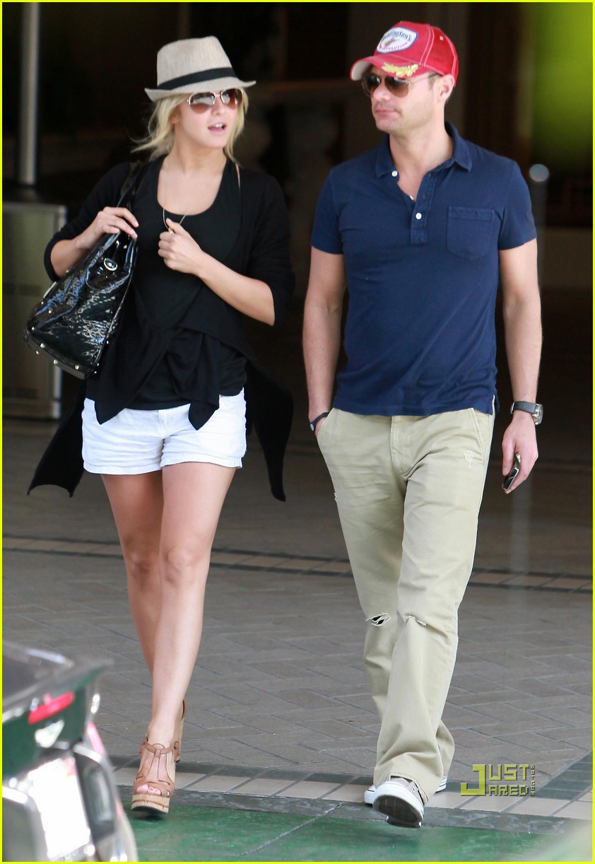 ryan seacrest julianne hough ride around town 10