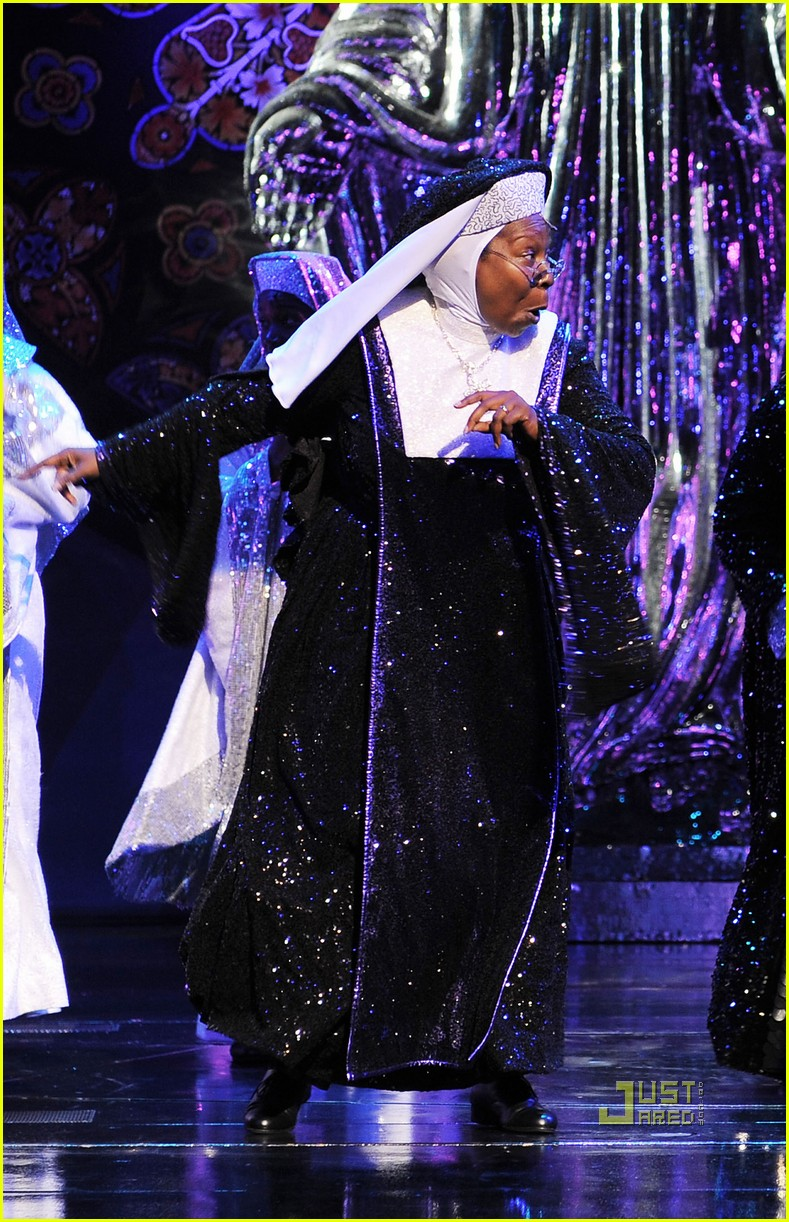 whoopi goldberg sister act west end 04