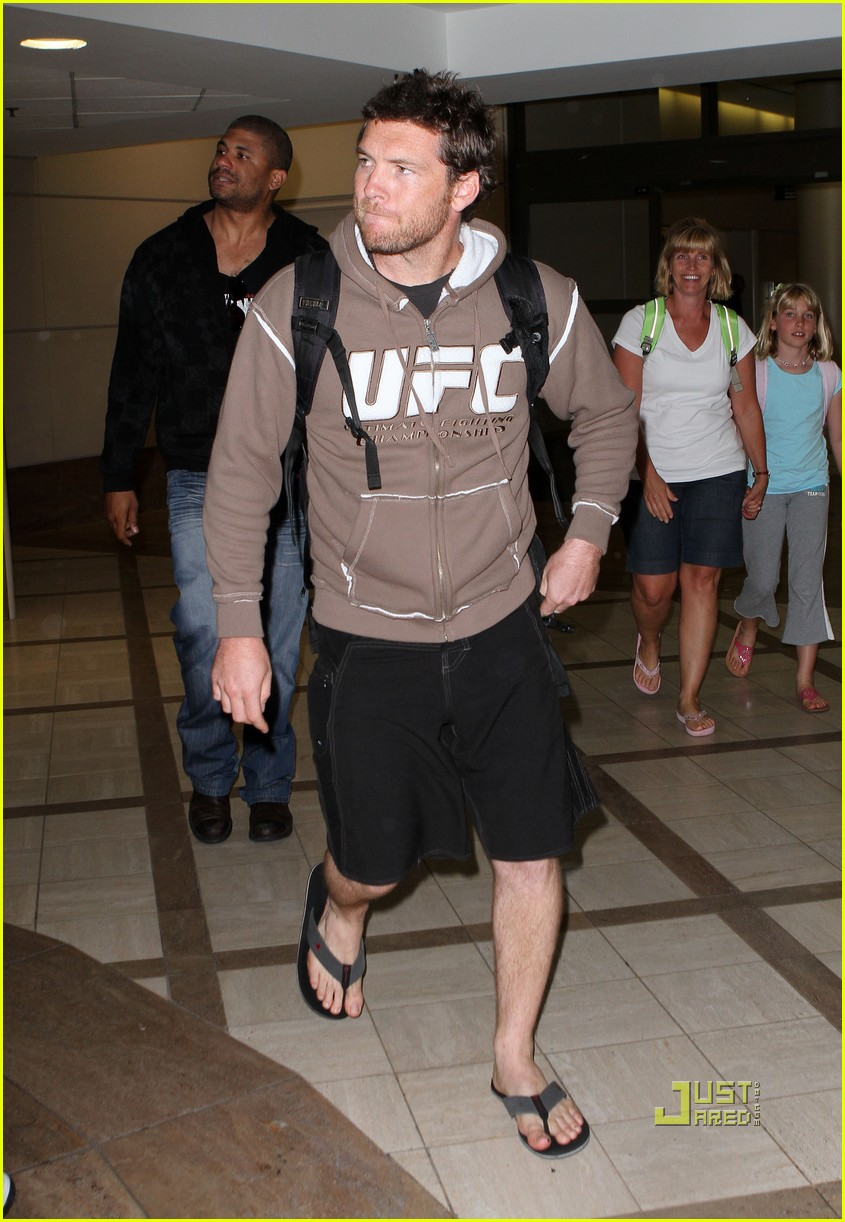 sam worthington lax airport ufc sweatshirt 012473479