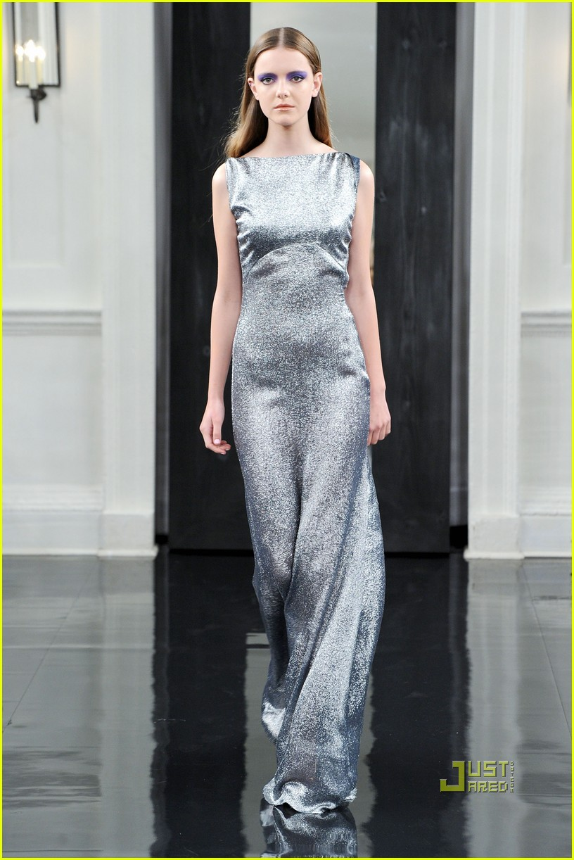 victoria beckham ny fashion week 122479399