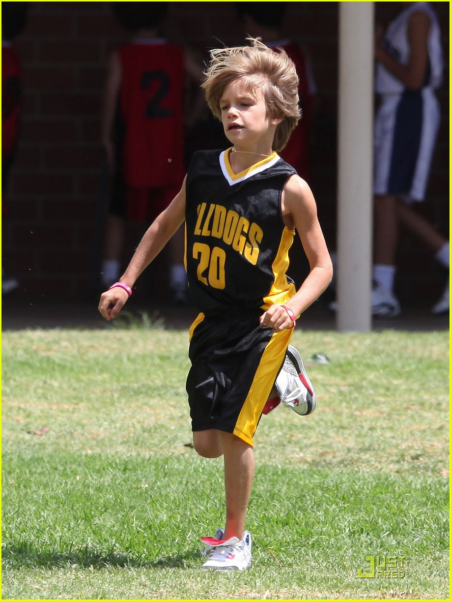 beckhams basketball game 112480845