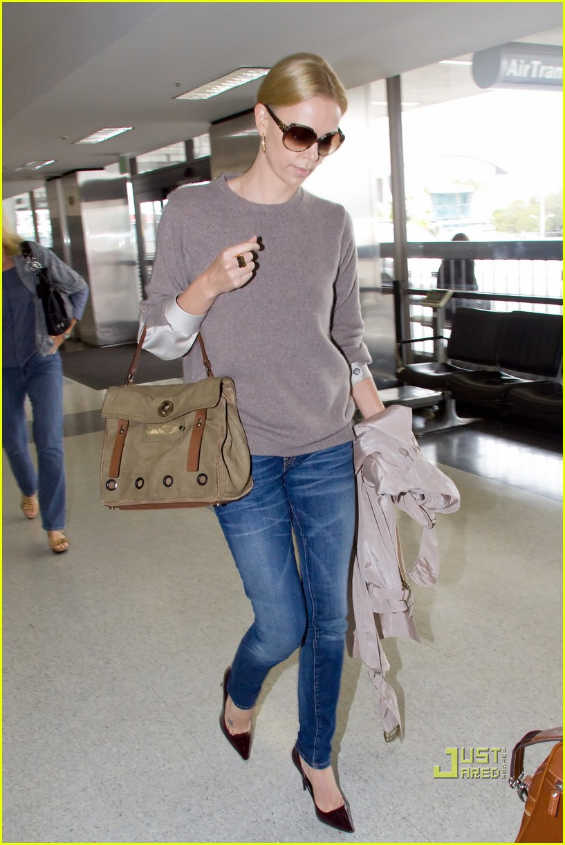 charlize theron lax mom gerda 022478612