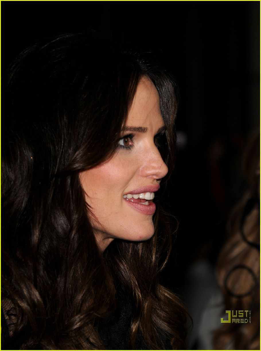 jennifer garner the town premiere 08
