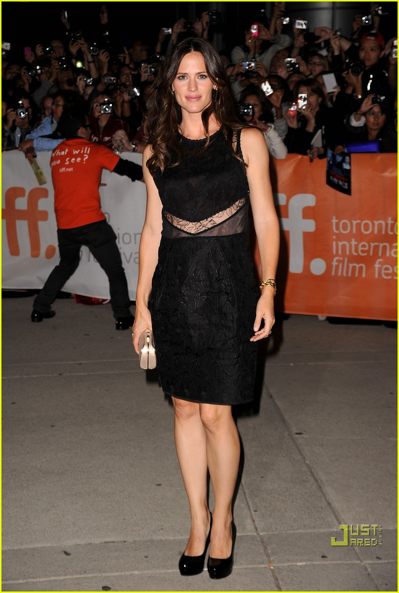 jennifer garner the town premiere 13