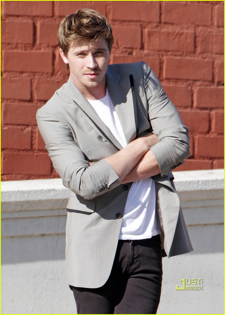 garrett hedlund photo shoot sexy 01