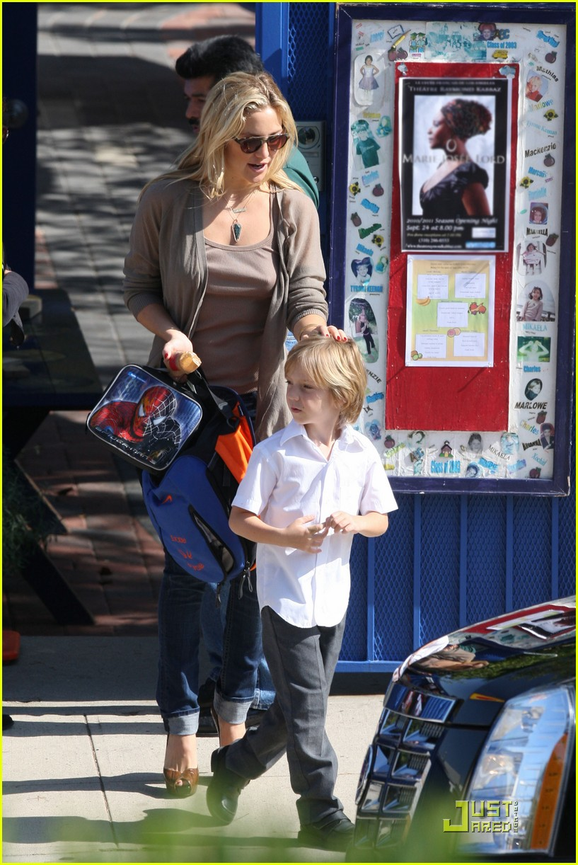kate hudson maternal mom 04