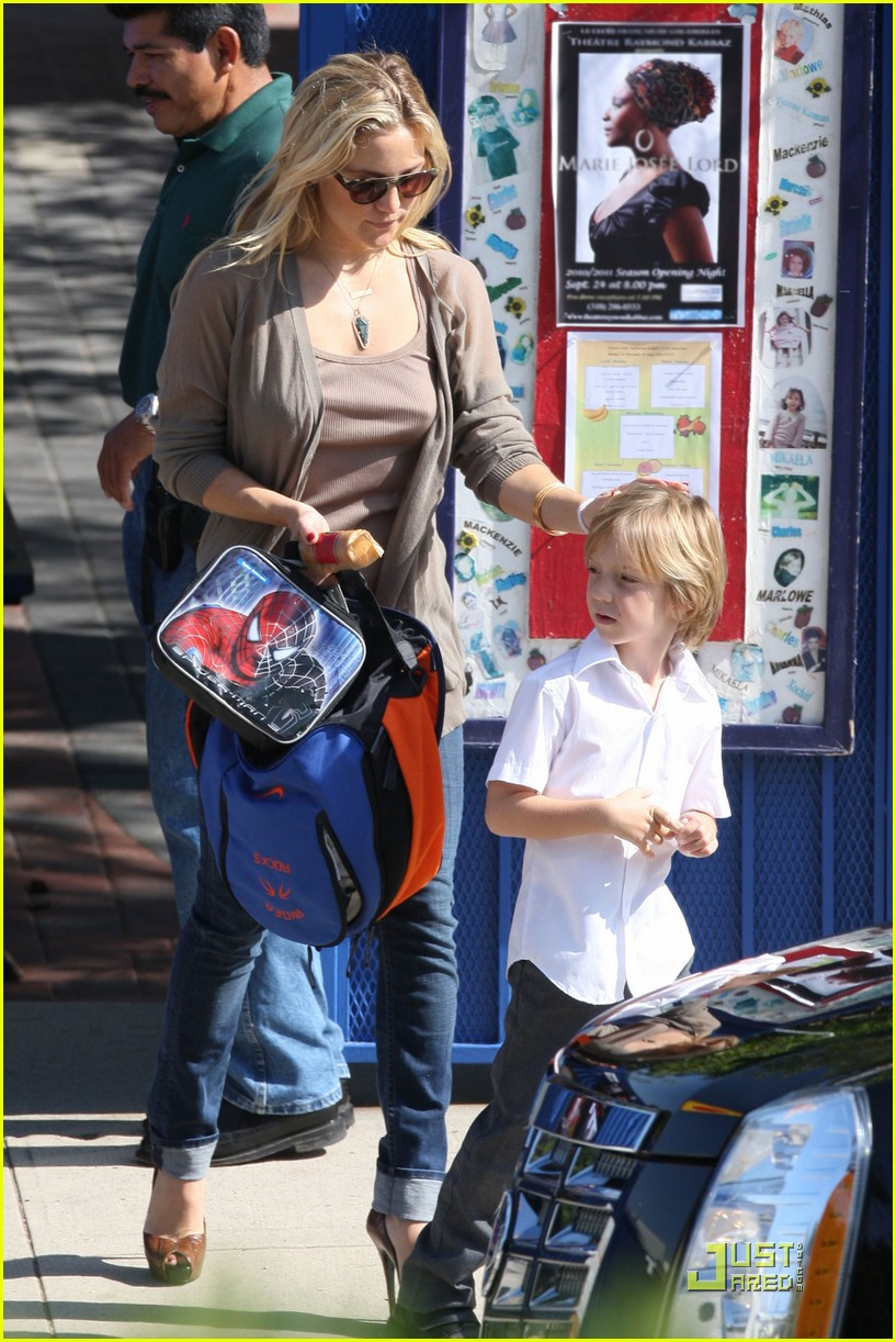kate hudson maternal mom 05