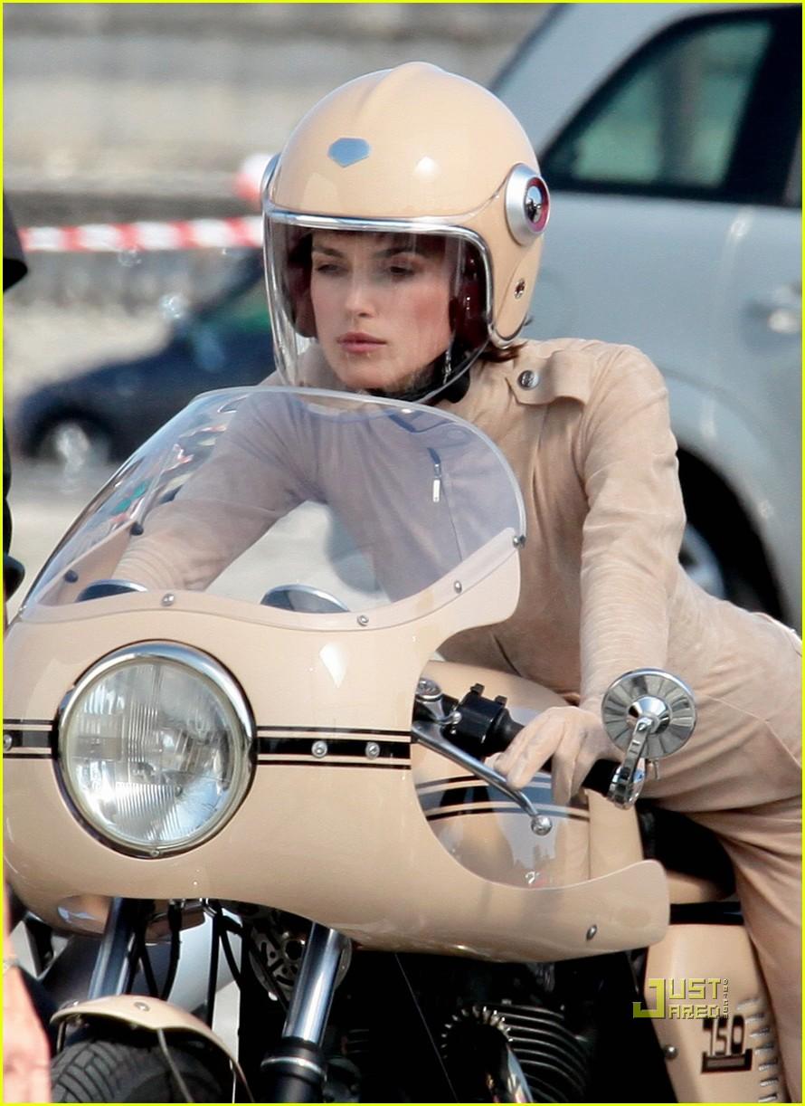 keira knightley motorcycle chanel motorcycle 06