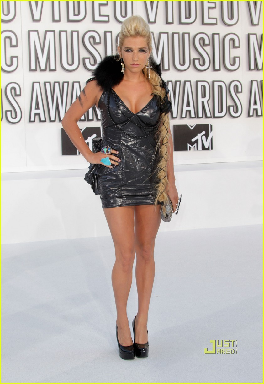 kesha vmas garbage bag dress 082479610