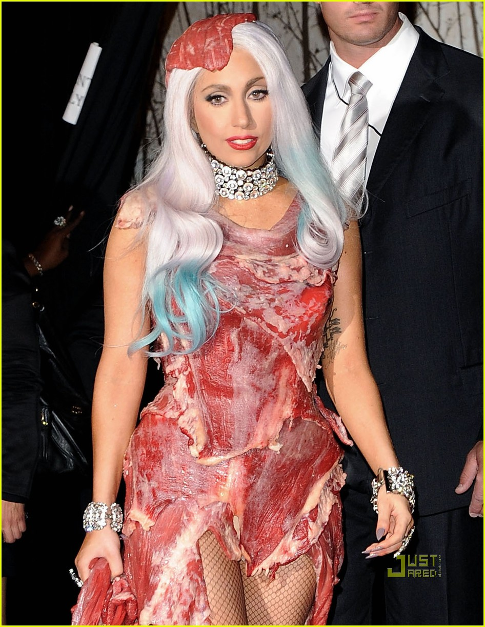 meat dress lady gaga 10