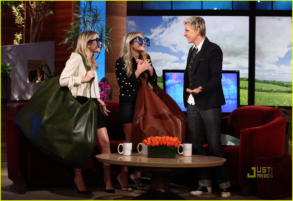 http://cdn03.cdn.justjared.commary kate ashley olsen ellen degeneres 01.jpg2480792