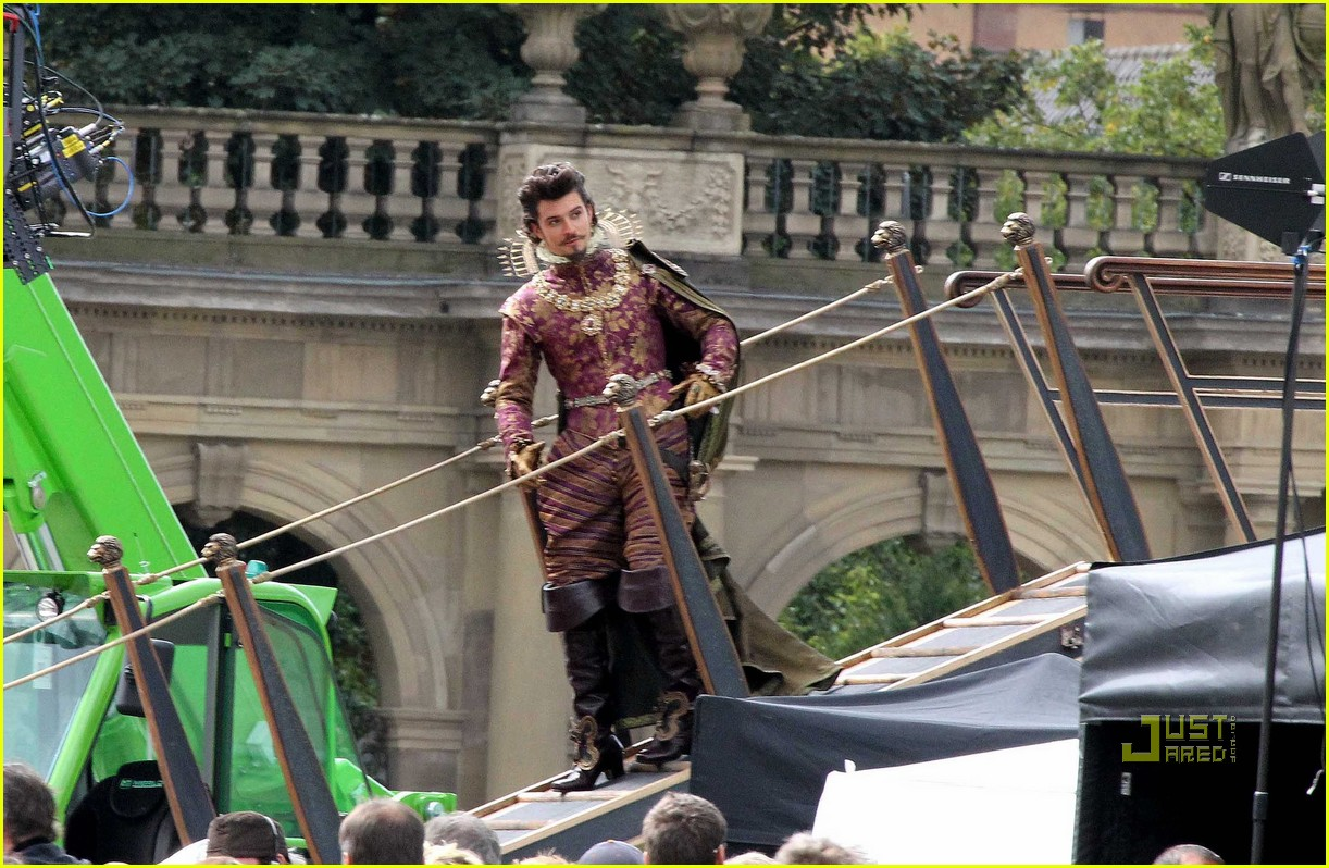 orlando bloom three musketeers 27