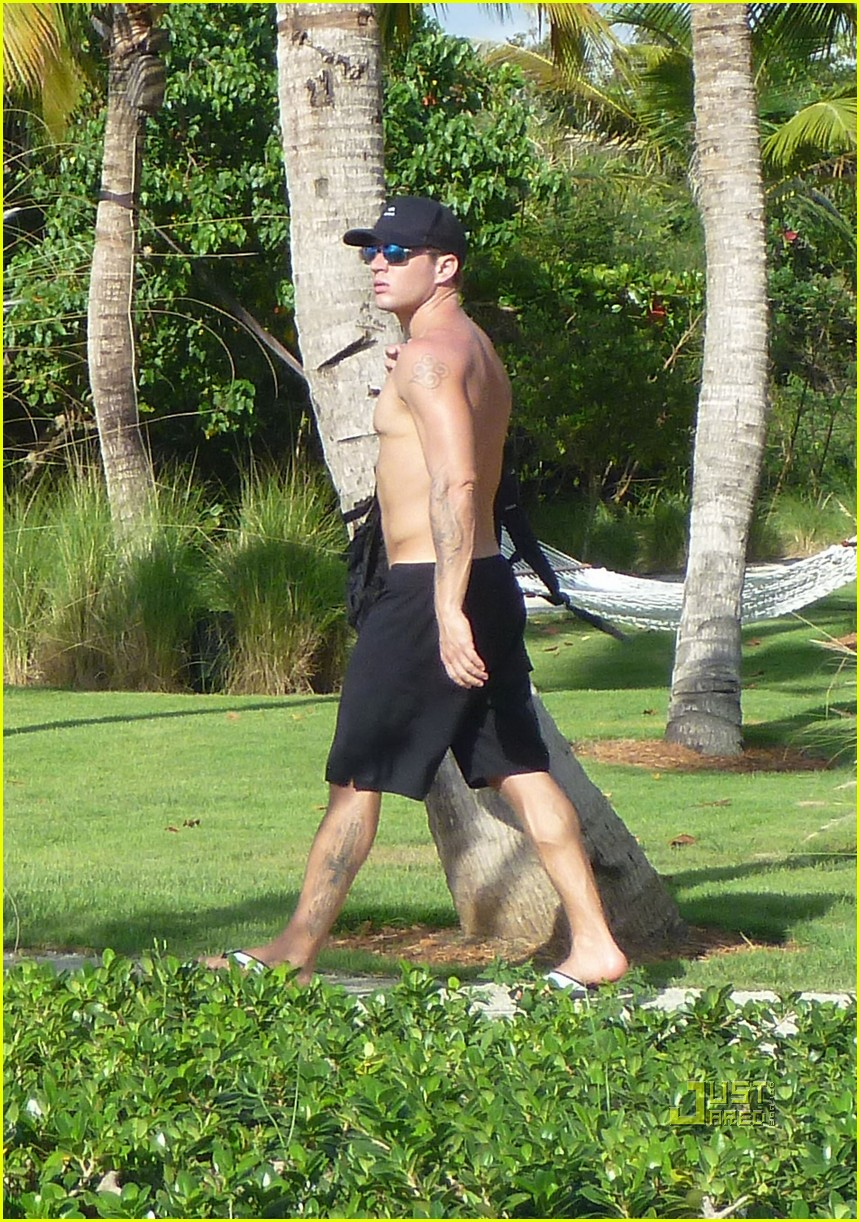 ryan phillippe shirtless hollywood domino 01