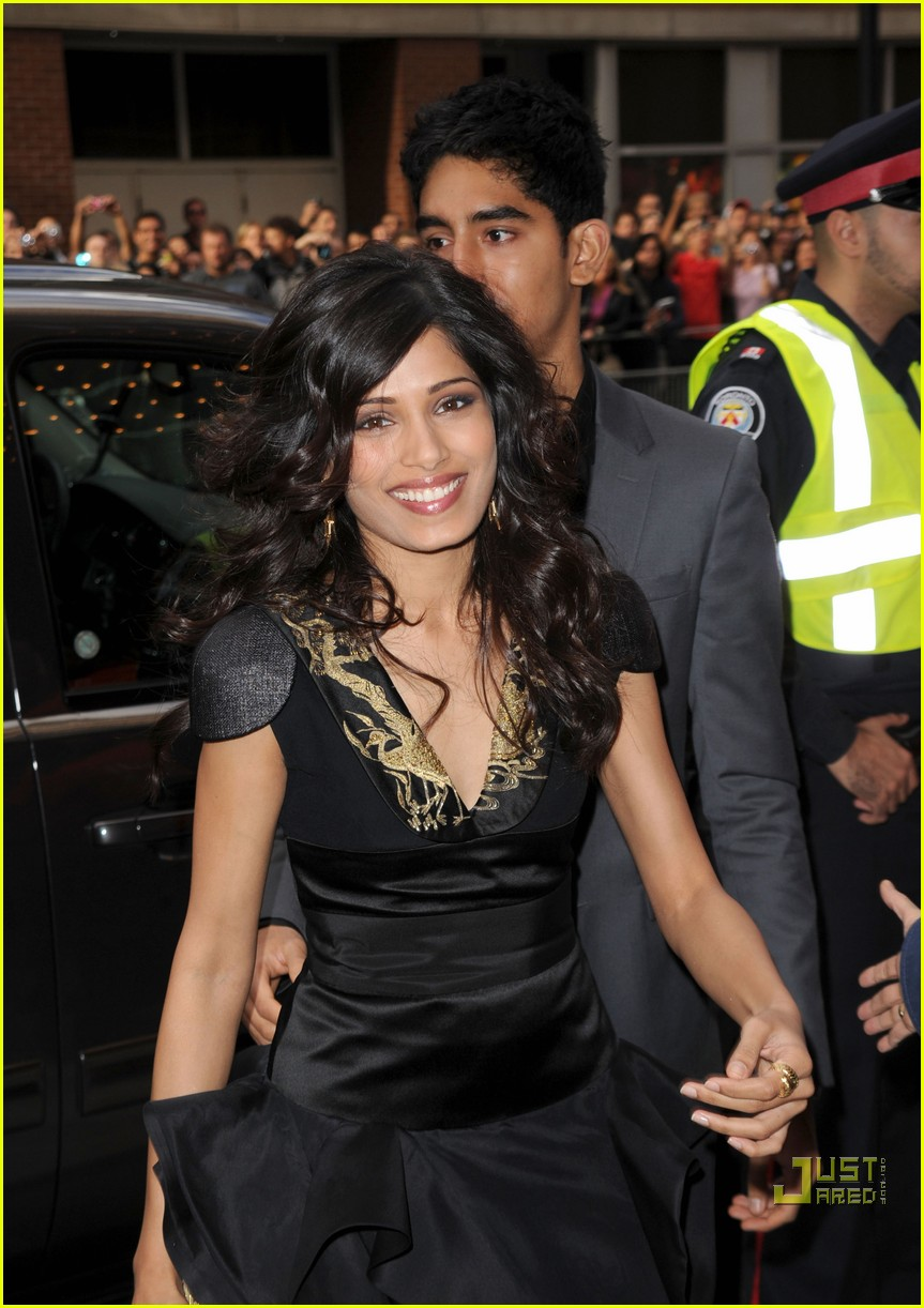 freida pinto you will meet tall dark stranger premiere 02